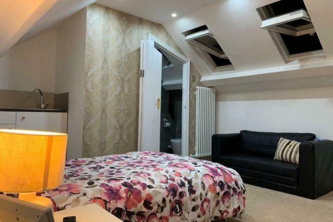 Room to rent-slide-6