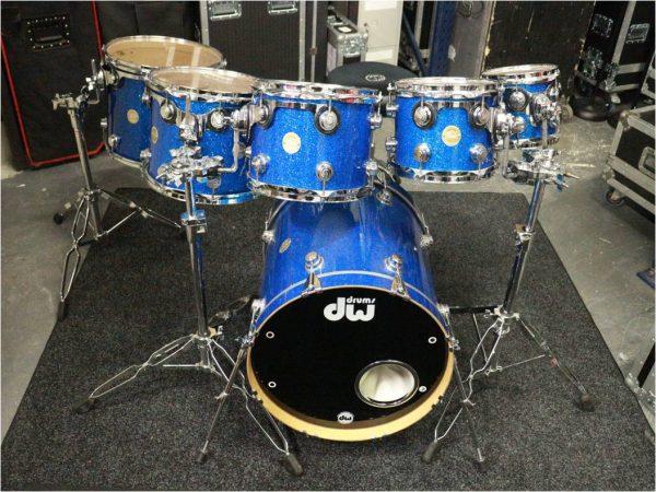 DW Collectors Drum Kit –  Blue Broken Glass-slide-1