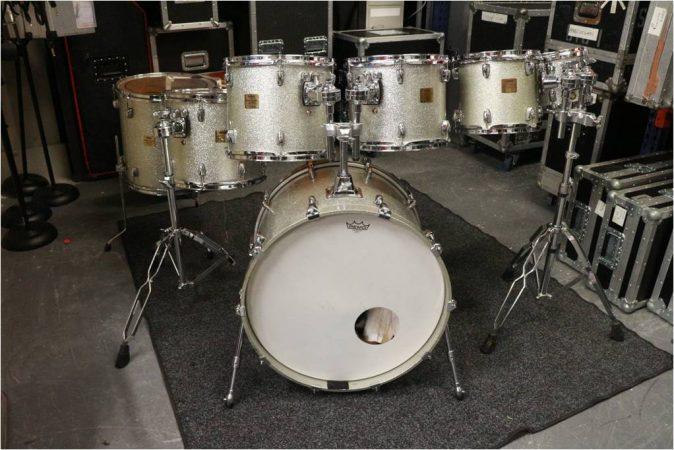 Yamaha Absolute Maple Custom Drum Kit – Silver Sparkle-slide-1