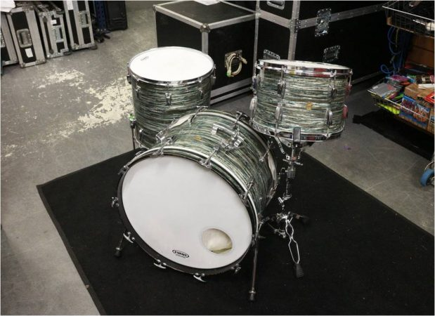1960s Ludwig Super Classic Drum Kit – Blue Oyster Pearl-slide-1