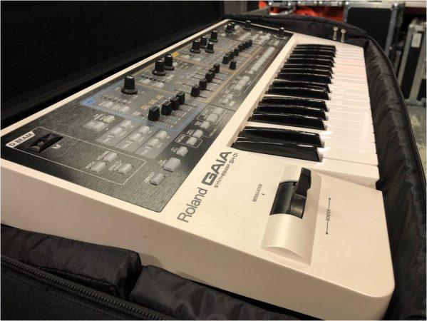 Roland GAIA SH-01-slide-1