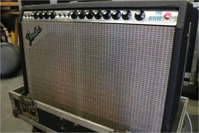 Fender Pro Reverb Silverface 2×12 Combo-slide-1