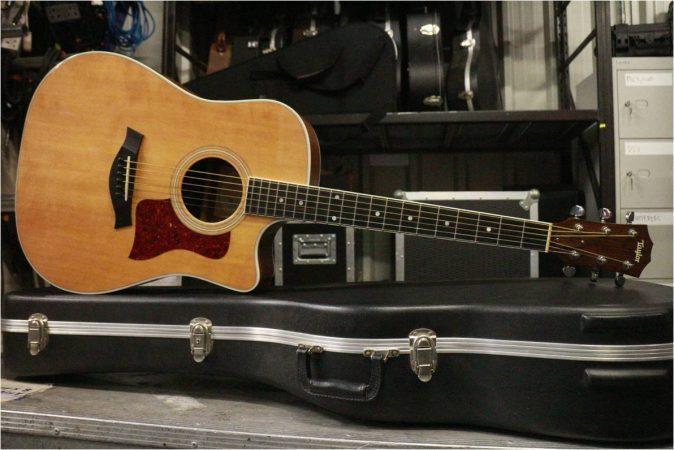 Taylor 410CE Acoustic w/Pick up-slide-1