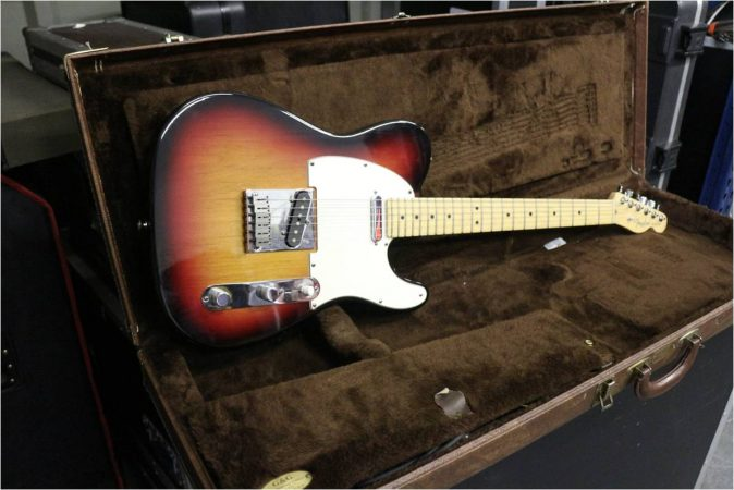 Fender USA Telecaster-slide-1