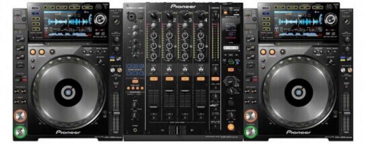Pioneer CDJ 2000 Nexus and DJM 900 Nexus 2 Mixer-slide-1