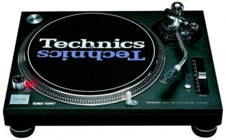 2x Technics 1210 Turntables And the Pioneer DJM 300 Mixer-slide-1