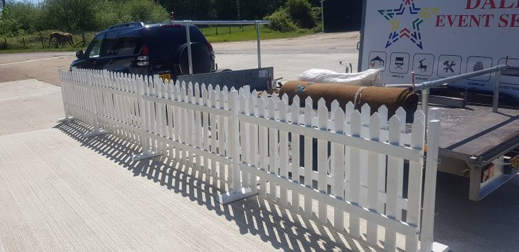 White Picket Fencing Hire 3ft x 1.8m-slide-1