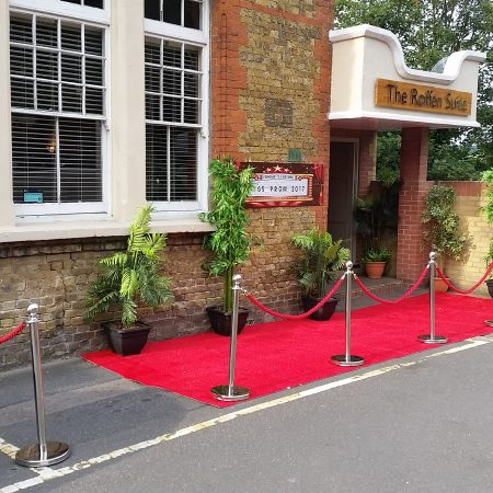Red Carpet Hire-slide-4