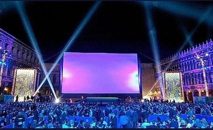 Small Screen Hire for Outdoor Cinema-slide-1