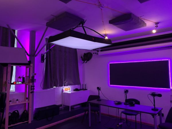 Outset Studio – Podcast Studio in Wimbledon-slide-2