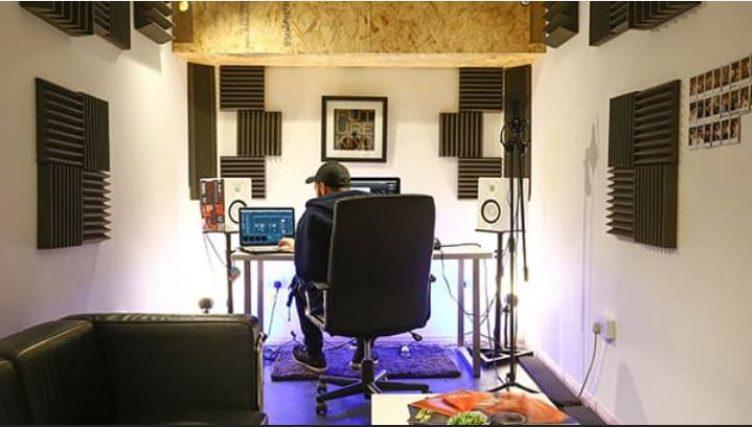 Sound Proof Room / Music Studio to rent-slide-1
