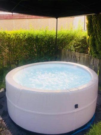 Inflatable Hot tub hire – Monaco range (6-8 person)-slide-1