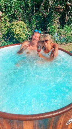 Hot Tubs & Pool Hire Services-slide-3