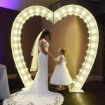 8ft LOVE HEART LIGHT UP ARCH