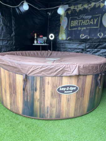 Hot tub hire in the West Midlands 4-7person tubs available-slide-4
